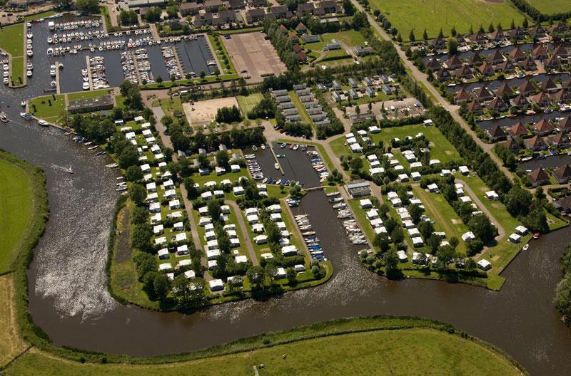 Aquacamping en jachthaven De Rakken